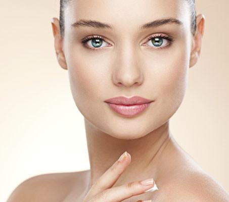 Lipoliza iniekcyjna usuwanie tkanki tłuszczowej twarz